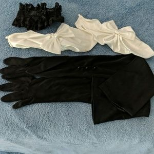Two pairs of gloves, garter